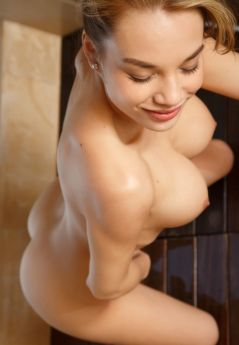 Escort Odessa : Karolina – photo 2